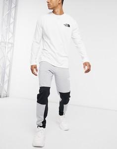 Серые брюки The North Face-Серый