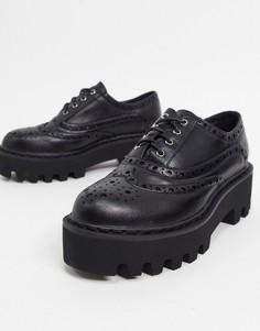 Черные туфли на массивной подошве со шнуровкой Lamoda-Черный