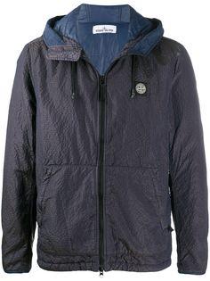 Stone Island легкая куртка с капюшоном и логотипом