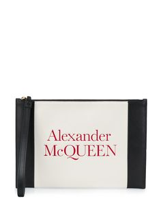 Alexander McQueen клатч с тиснением логотипа