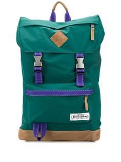 Eastpak рюкзак с пряжками и нашивкой-логотипом