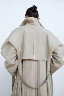 Тренч со складками на спине Zara