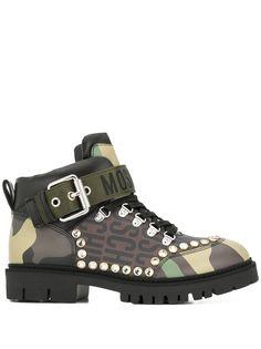 Moschino ботинки с камуфляжным принтом и заклепками