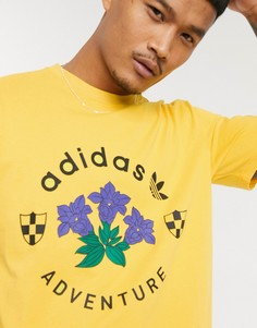 Золотистая футболка с принтом adidas Originals-Золотой