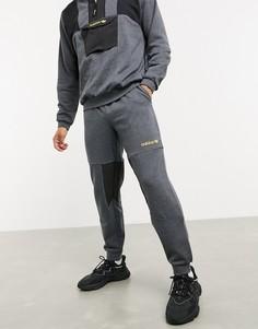 Серые флисовые джоггеры adidas Originals adventure-Серый