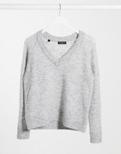 Серый джемпер с V-образным вырезом Selected Femme