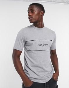 Серая футболка с вышивкой Fred Perry-Серый