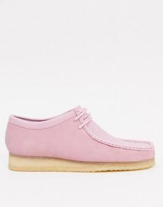 Розовые замшевые ботинки Clarks Originals Wallabee-Розовый