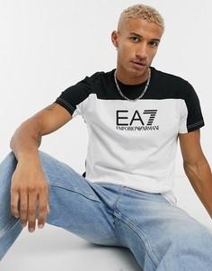 Черно-белая футболка с контрастным логотипом Armani EA7-Белый