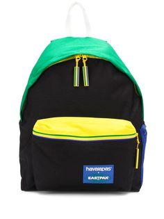Eastpak рюкзак в стиле колор-блок из коллаборации с Havaianas
