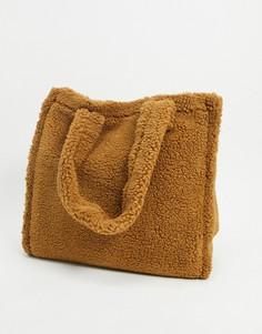 Коричневая сумка-тоут oversized из искусственного меха-Коричневый Asos
