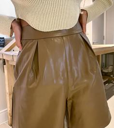 Светло-коричневые шорты-бермуды из искусственной кожи NaaNaa Petite-Коричневый