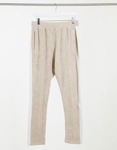 Бежевые спортивные брюки от комплекта с контрастной вставкой The Couture Club-Бежевый