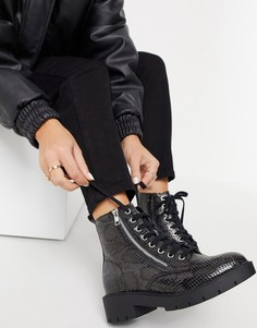 Черные массивные ботинки на шнуровке из искусственной кожи под змею New Look-Черный