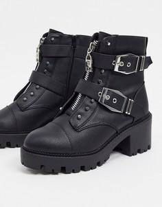 Черные байкерские ботинки на молнии с декоративной металлической отделкой River Island-Черный