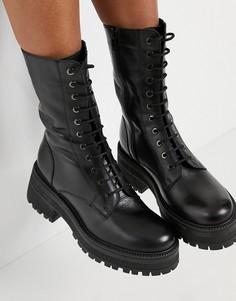 Черные ботинки до середины икры на массивной подошве и со шнуровкой Topshop-Черный