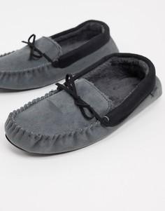 Слиперы-мокасины с подкладкой из искусственного меха серого цвета Totes-Серый