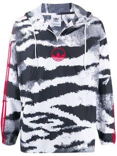adidas ветровка с капюшоном и зебровым принтом