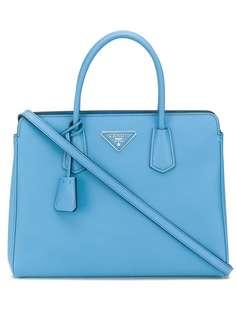 Prada сумка-тоут с металлическим логотипом