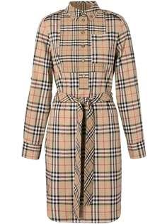 Burberry платье-рубашка в клетку с аппликацией-логотипом