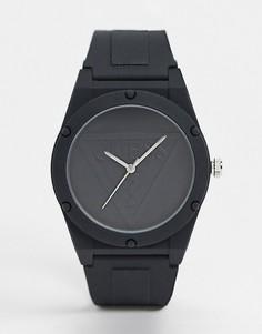 Часы с черным циферблатом и ремешком Guess-Черный