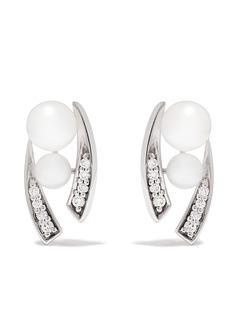 Yoko London серьги-гвоздики Trend из белого золота с бриллиантами и жемчугом