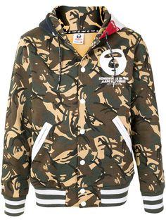 AAPE BY *A BATHING APE® камуфляжная куртка с контрастным капюшоном