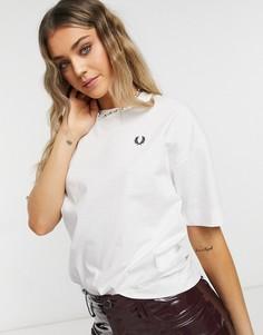 Белая футболка с принтом лаврового венка Fred Perry Laurel Wreath-Белый