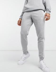 Серые зауженные джоггеры с 3 полосками adidas Originals-Серый