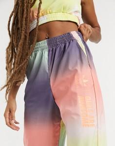Разноцветные спортивные штаны со светоотражающим эффектом adidas Originals x Girls Are Awesome-Многоцветный