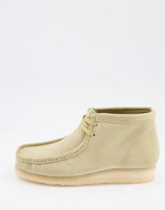 Бежевые замшевые ботинки Clarks Originals Wallabee-Бежевый