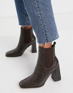 Коричневые ботинки на блочном каблуке с крокодиловым рисунком NA-KD-Коричневый цвет