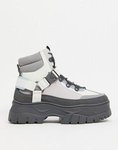 Серые ботинки на шнуровке из искусственной кожи на массивной подошве ASOS DESIGN-Серый