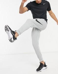 Серые джоггеры с логотипом-галочкой Nike Training Swoosh-Серый
