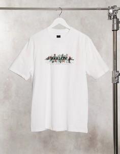 Белая футболка классического кроя с цветочным принтом на груди River Island-Белый