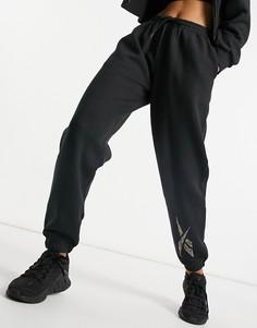 Черные джоггеры с логотипом с леопардовым принтом Reebok Training-Черный цвет