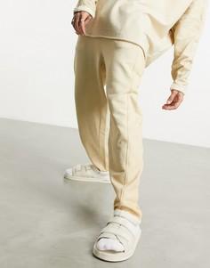 Бежевые oversized-джоггеры с маслянистым эффектом и декоративными швами от комплекта ASOS DESIGN-Бежевый