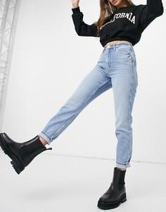 Голубые удобные джинсы в винтажном стиле с моделирующим эффектом River Island Carrie-Голубой