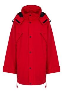 Красная куртка Balenciaga