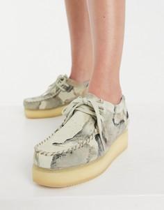 Ботинки наплатформе с бежевым камуфляжным принтом Clarks Originals Wallacraft Lo-Белый