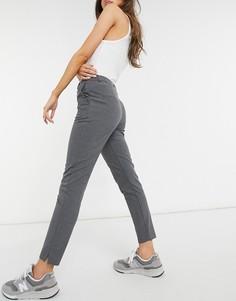 Серые строгие брюки узкого кроя Selected Muse-Серый