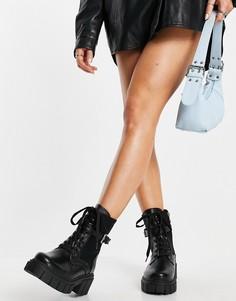 Черные ботинки на массивной подошве со шнуровкой ипряжками Simmi London-Черный