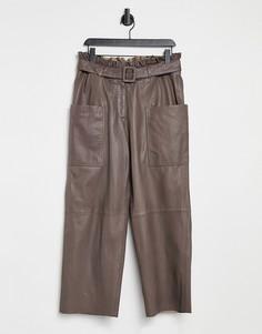Коричневые кожаные брюки с присборенной талией Selected Femme-Коричневый цвет