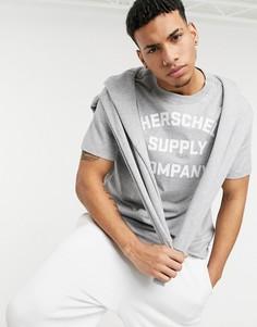 Серая футболка с круглым вырезом и логотипом Herschel Supply Co-Серый