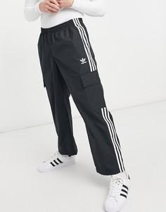 Черные брюки с тремя полосками и карманом карго adidas Originals adicolor-Черный цвет