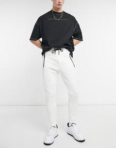 Белые узкие джоггеры в рубчик совставками на коленях Bershka-Белый