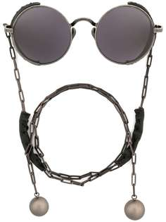 Uma Wang солнцезащитные очки в круглой оправе с цепочкой