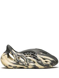 adidas YEEZY кроссовки Foam RNNR MXT Moon Grey