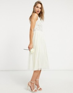 Платье миди из тюля цвета экрю с воротником халтер и элегантной отделкой пайетками в тон изделия Maya Bridal-Белый
