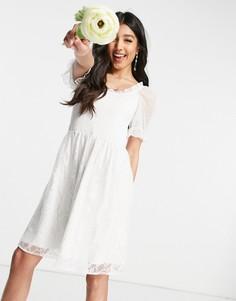 Белое свадебное платье мини с присборенным топом, сетчатыми пышными рукавами и кружевной юбкой Y.A.S-Белый